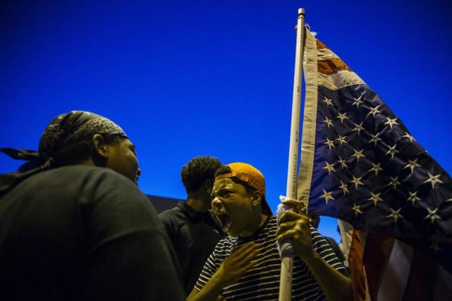 Les manifestants ont battu des tambours et scandé... (Photo Lucas Jackson, Reuters)