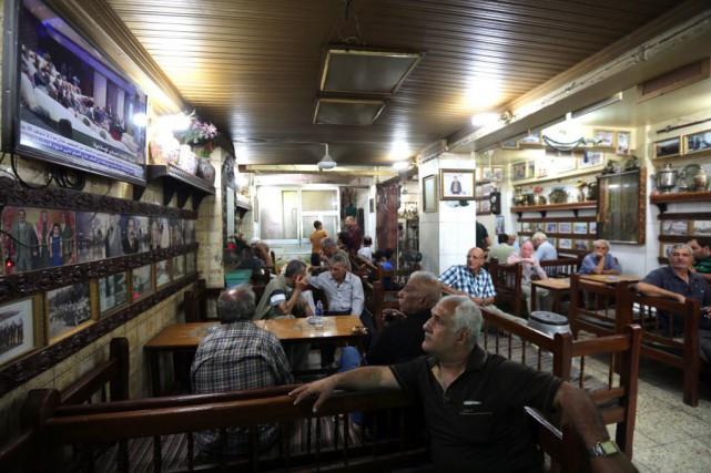 Les réformes prévoient la suppression «immédiate» des postes... (PHOTO SABAH ARAR, AFP)