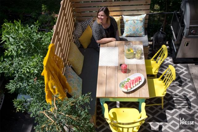 Locataire d'un petit quatre et demie dans le quartier Villeray, Cindy Lessard... (PHOTO PATRICK SANFAÇON, LA PRESSE)