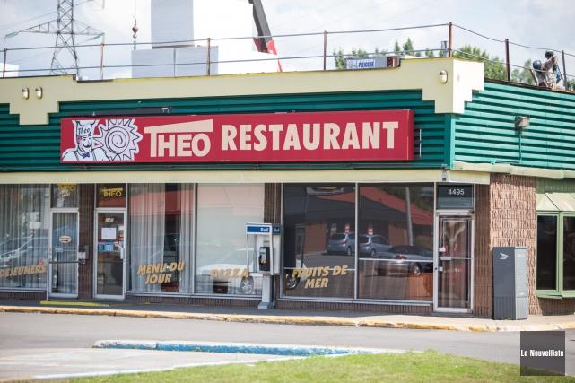 Les clients du restaurant Théo situé sur le boulevard Gene-H-Kruger, à... (Photo: Olivier Croteau Le Nouvelliste)
