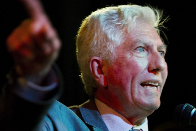 Bloc Quebecois leader Gilles Duceppe speaks to supporters...