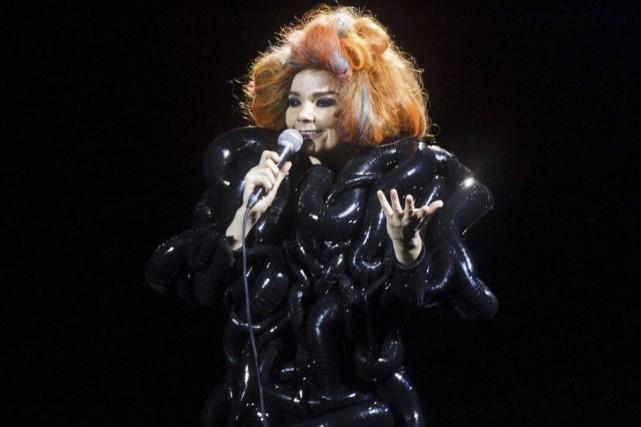 La chanteuse Björk, dont la tournée européenne à été écourtée, a confié sur... (PHOTO ARCHIVES AFP)