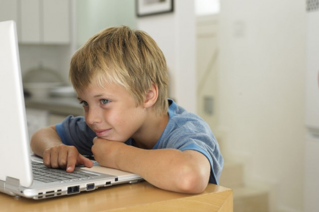Alors que débute le Mois de la santé visuelle des enfants, l'Association des... (PHOTO DIGITAL VISION/THINKSTOCK)