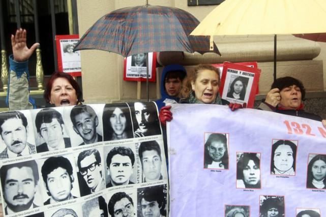 La Cour suprême du Chili a confirmé mardi les condamnations à des peines de... (PHOTO AFP)