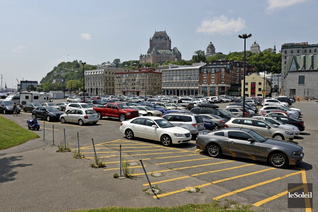La fermeture du stationnement Dalhousie empêchera les 332... (Photothèque Le Soleil, Patrice Laroche)