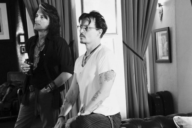 Joe Perry et Johnny Depp du groupe Hollywood... (PHOTO ARCHIVES AP)