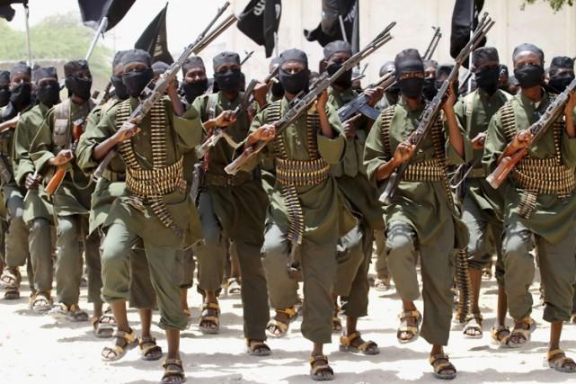 De nouvelles recrues d'Al-Qaïda s'entraînent dans un camp... (ARCHIVES REUTERS)