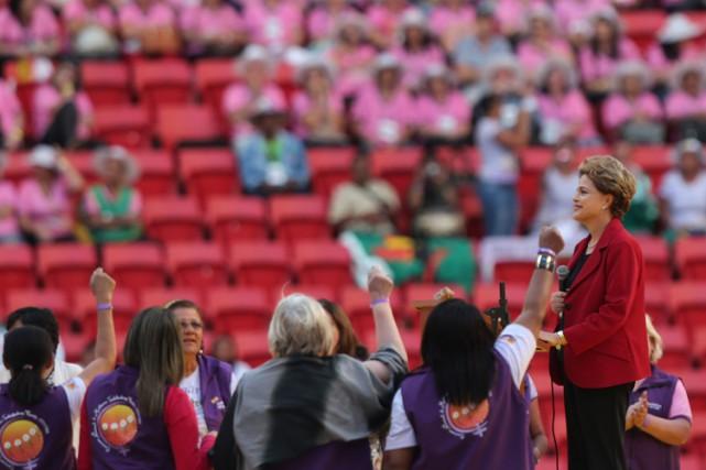 Des supporters deDilma Rousseff (à droite sur la... (PHOTO AP)