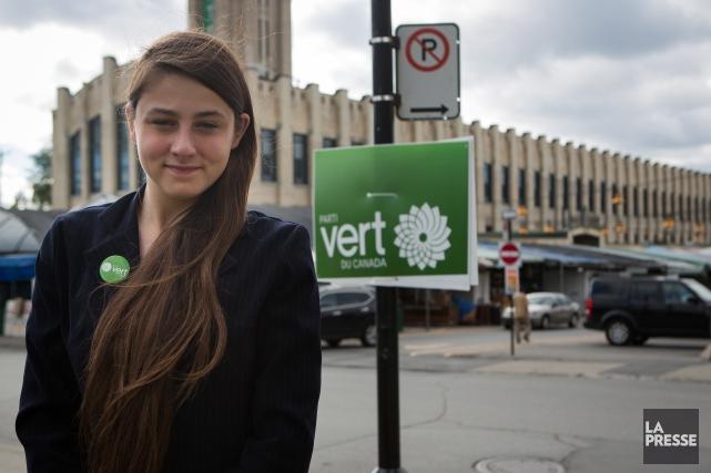 Casandra Poitras, nouvelle recrue du Parti vert, est... (PHOTO SIMON GIROUX, LA PRESSE)