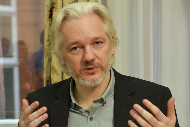 Julian Assange s'est réfugié à l'ambassade d'Équateur à... (PHOTO ARCHIVES REUTERS)