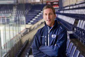 Le nouvel entraîneur-chef des Cougars, Stéphan Lebeau, doit... (Imacom, Julien Chamberland)