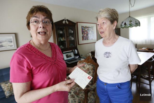 Claudette Bernier a reçu la carte postale de... (Simon Séguin-Bertrand, LeDroit)