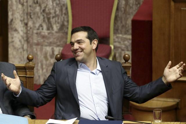 Alexis Tsipras... (PHOTO PANAYIOTIS TZAMAROS, AGENCE FRANCE-PRESSE)