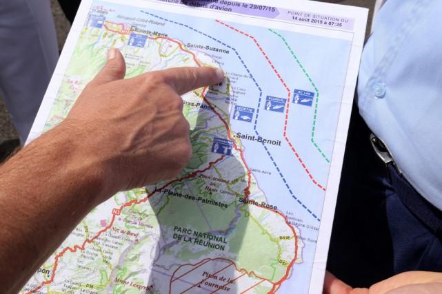La recherche «systématique» se poursuivra jusqu'à lundi et... (PHOTO RICHARD BOUHET, AFP)
