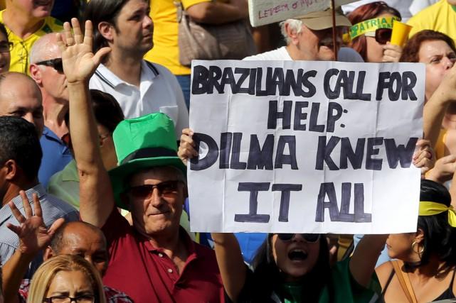 Les organisateurs espèrent à nouveau faire défiler tout... (PHOTO PAULO WHITAKER, ARCHIVES REUTERS)