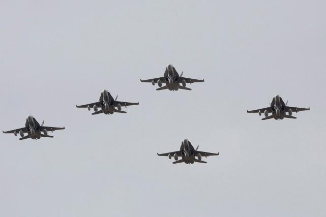 Des avions de chasse des Forces armées canadiennes... (Archives La Presse Canadienne)