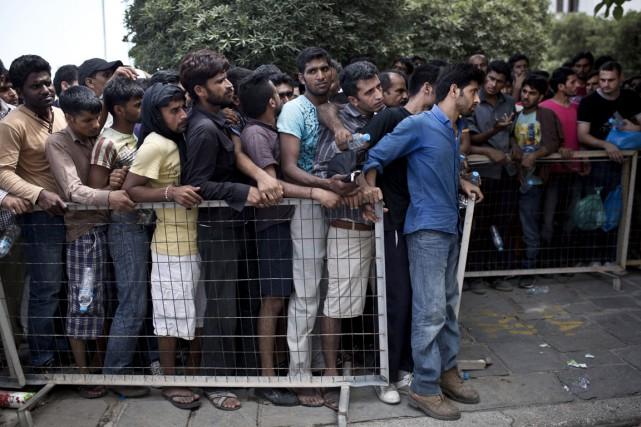 Ces derniers jours, des centaines de migrants en... (PHOTO ANGELOS TZORTZINIS, AFP)