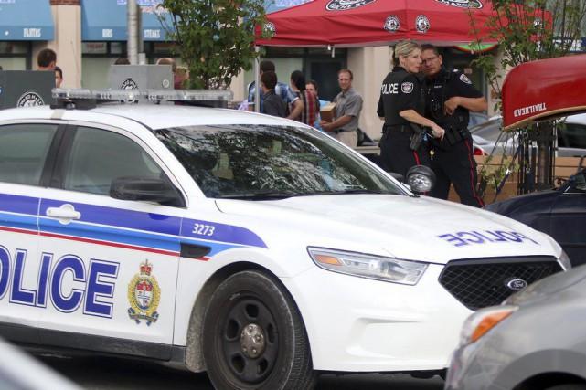Les policiers ont rencontré les témoins dans les...