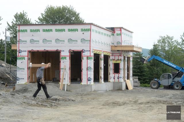 Starbucks a trouvé l'emplacement pour son premier café à Sherbrooke. Le premier... (IMACOM, Maxime Picard)