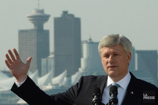 Les conservateurs du gouvernement sortant sont passés en tête pour la première... (Photo Sean Kilpatrick, archives La Presse canadienne)