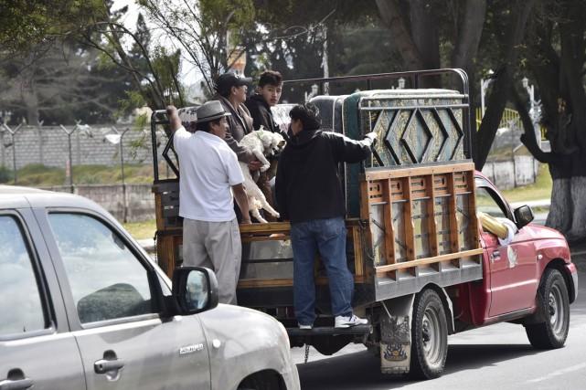 À Latacunga, de nombreux habitants ont choisi de... (PHOTO RODRIGO BUENDIA, AFP)