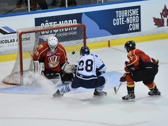 L'attaquant Louis-Philippe Simard a inscrit le deuxième but... (- Photo collaboration spéciale, Denis thibault)