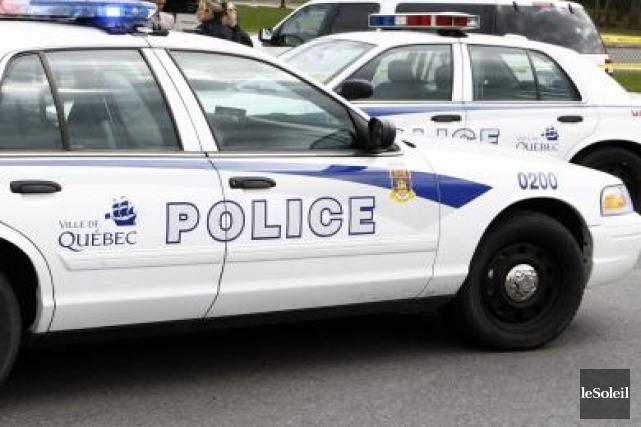 Un membre du Service de police de la Ville de Québec (SPVQ) a été arrêté dans... (Photo archives Le Soleil)