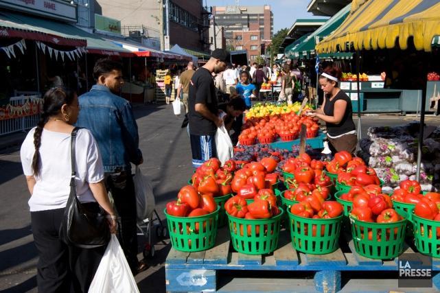 Le marché Jean-Talon... (PHOTO ROBERT SKINNER, ARCHIVES LA PRESSE)