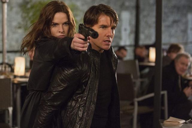 Rebecca Ferguson et Tom Cruise dans une scène...