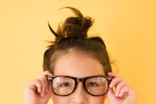 Alors que les enfants ont des problèmes de vision de plus en plus tôt, ils... (PHOTO MASTERFILE)