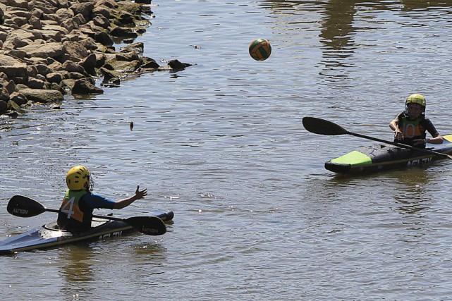 Le niveau de la Vistule, le fleuve qui... (Photo Czarek Sokolowski, AP)