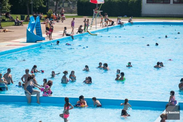 La piscine du parc de l'Exposition (photo) et... (Photo: Olivier Croteau Le Nouvelliste)