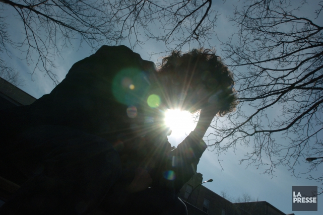 123616Montréal--Photo d'un adolescent en détresse émotionnelle, en dépression....