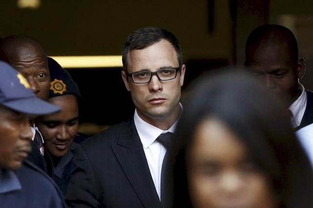 Si Pistorius était reconnu coupable de meurtre, il... (Photo Reuters)