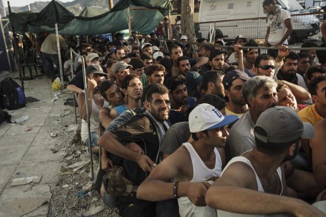 Les migrants tentent des traversées périlleuses, parfois mortelles,... (PHOTO AFP)