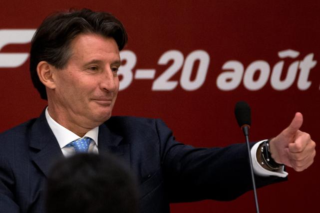 Le nouveau président de la Fédération internationale d'athlétisme,... (Photo Andy Wong, AP)