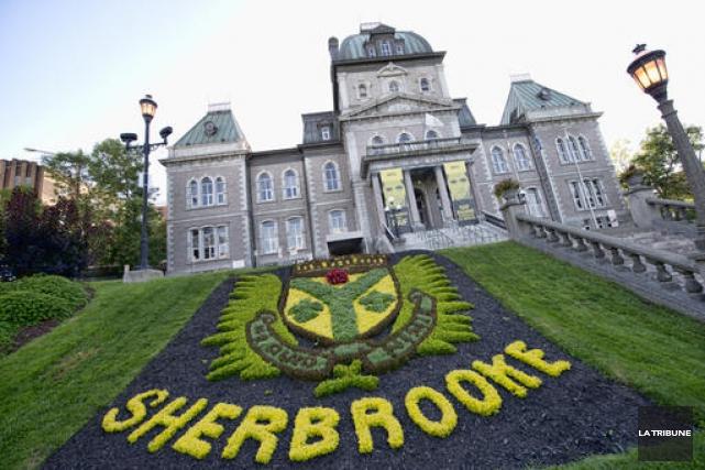 La Ville de Sherbrooke a officiellement remercié un de ses employés qui avait... (Archives La Tribune)