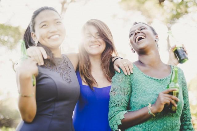 Le fait d'avoir des amis en bonne santé... (Photo Digital/Thinkstock)