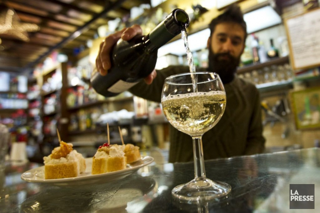 Les producteurs de prosecco, le célèbre vin pétillant italien, n'ont qu'une... (PHOTO MARTIN CHAMBERLAND, ARCHIVES LA PRESSE)