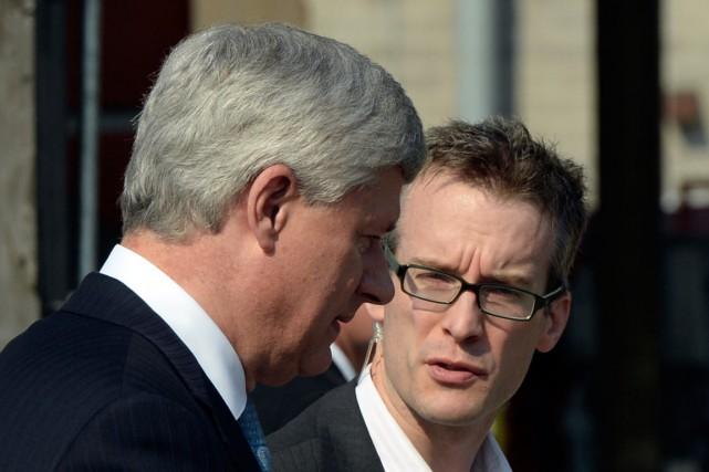 Stephen Harper et son chef de cabinet actuel,... (La Presse Canadienne)