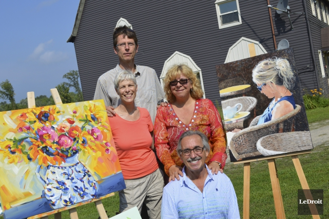 Marc Walter (à l'arrière), Danielle Paré, Diane Fontaine... (Benoit Sabourin, LeDroit)