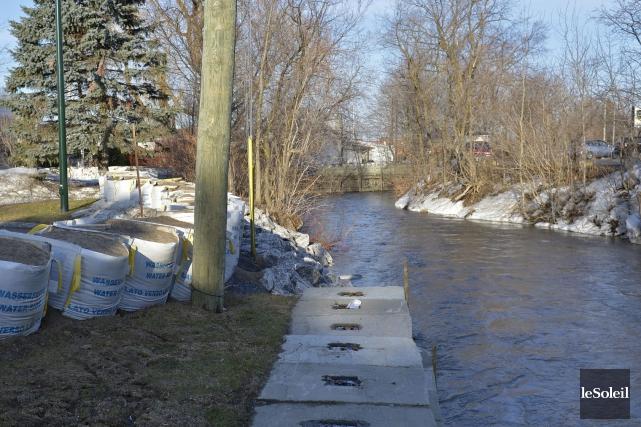 Inondations l 39 ancienne lorette la ville de qu bec perd for Ancienne lorette piscine