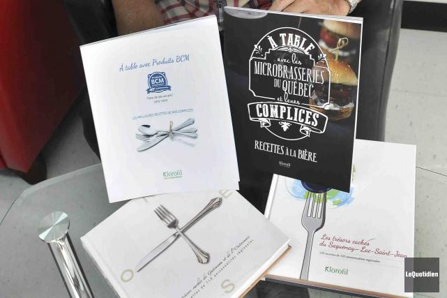 Le livre de recettes À table avec les... (Photo Le Quotidien, Rocket Lavoie)