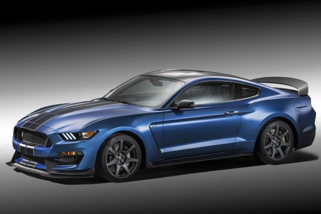Les nouvelles versions de la Mustang Shelby GT350... (PHOTO FOURNIE PAR FORD)