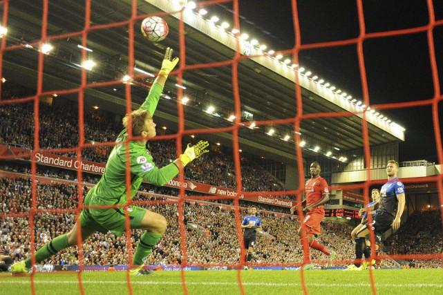 ChristianBenteke a procuré à Liverpool une deuxième victoire... (PHOTO OLI SCARFF, AFP)