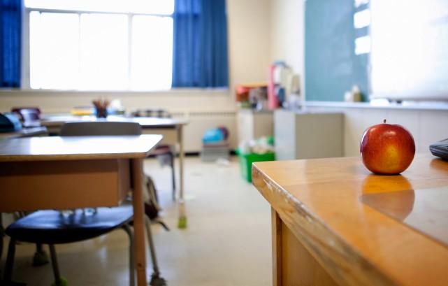 L'auteur, qui enseigne dans une école en Alberta,... (PHOTO MARCO CAMPANOZZI, ARCHIVES LA PRESSE)