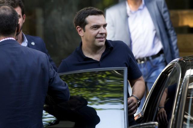 Le premier ministre sortant Alexis Tsipras, libéré des... (Photo Stoyan Nenov, Reuters)