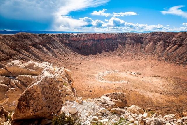 Les météorites, comme celui de 50 m de... (Shutterstock, Turtix)
