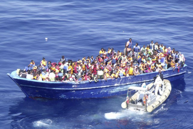 Les garde-côtes italiens ont coordonné le sauvetage de... (Photo AP)