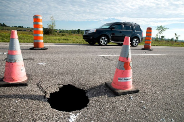 Les travaux de réfection sur l'autoroute 50 vont ralentir la circulation... (Martin Roy, LeDroit)